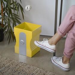 Detalletes papelera amarilla